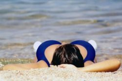 Фото со смешными девушками на пляже