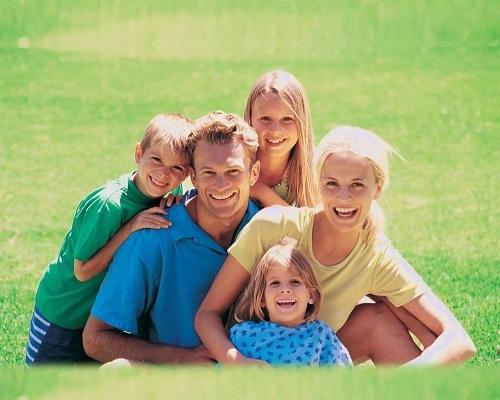 Read more about the article Веселые статусы про детей и семью